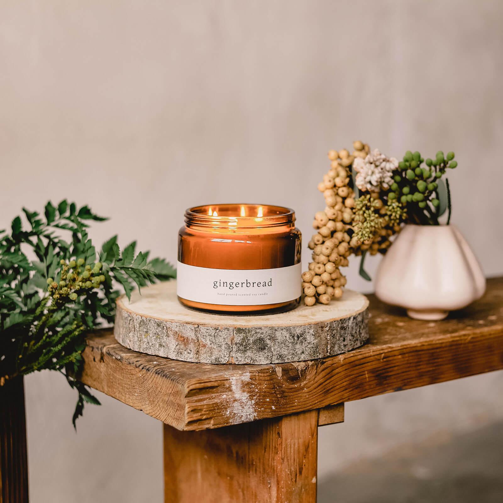 Hulladékmentes karácsonyi szójagyertya mézeskalács illattal újrahasznosítható üvegben